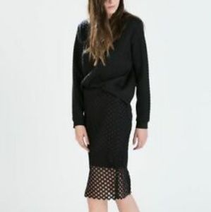 NWOT Zara basic black crochet pencil skirt!